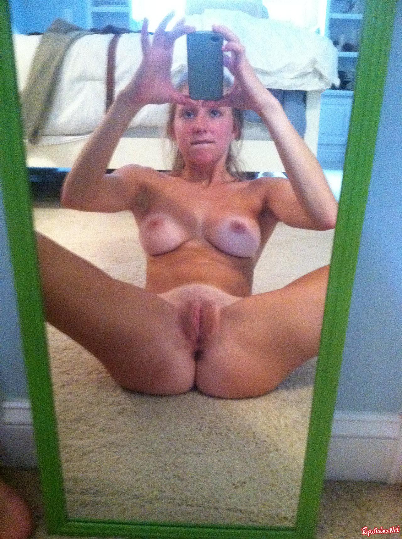 Ebony Mirror Selfies With Her Amazing Big Tits