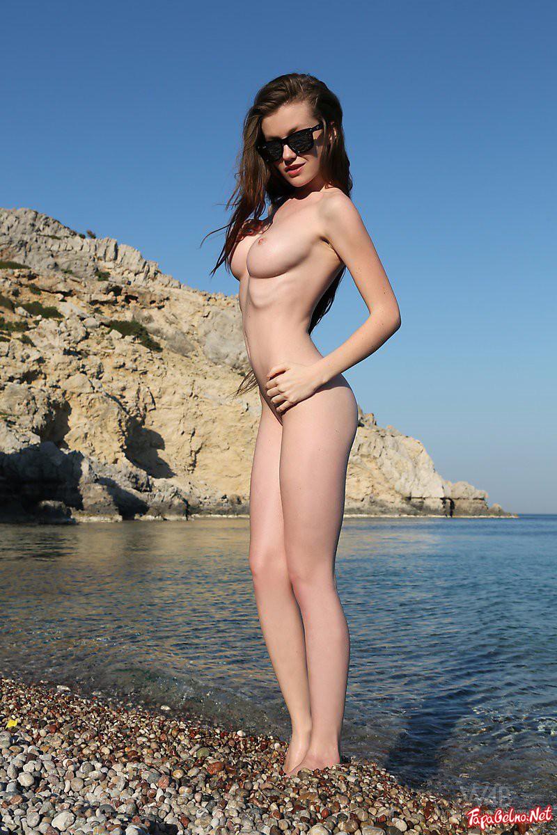 Девочки Молоденькие Обнаженные На Пляже
