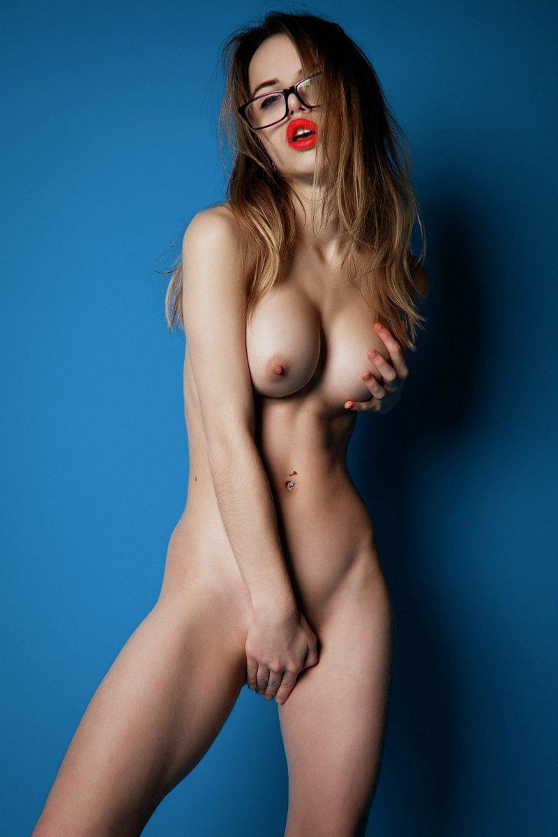 want-jmu-nude-model