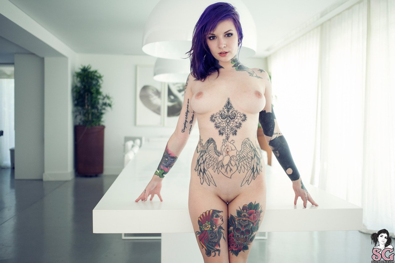 Nude Women With Tattoos On The Pussy